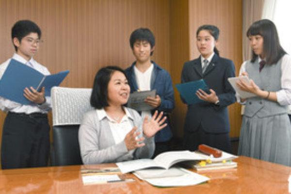 <高校生スタッフが直撃><br>大学入学共通テスト作問総括・大杉住子さん